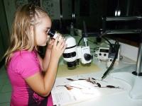 Les visites de l'Herbier permettent aux enfants de découvrir les métiers de la botanique © Sophie Gonzalez