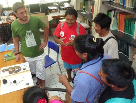 Des échanges riches et fructueux à l'Herbier sur les différentes méthodes de travail liées à l'ethnobotanique